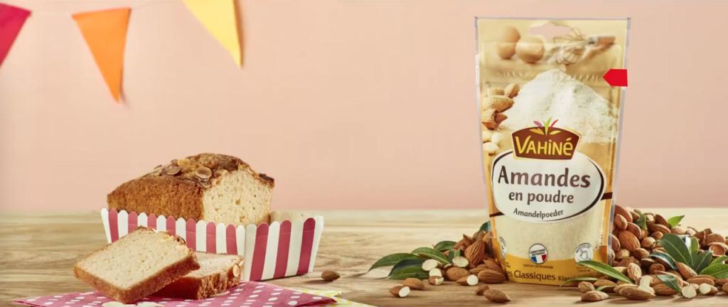 stylisme culinaire et set design du cake aux amandes