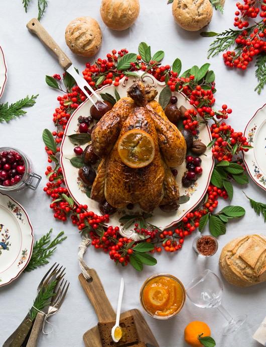 dinde-cuite-2h-2kg-et-table-en-fête 4