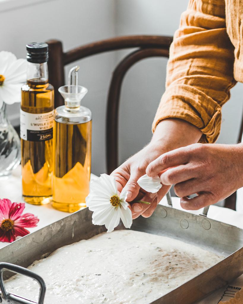 Décoration fleurie-Déposez les pétales de fleurs -cosmo-